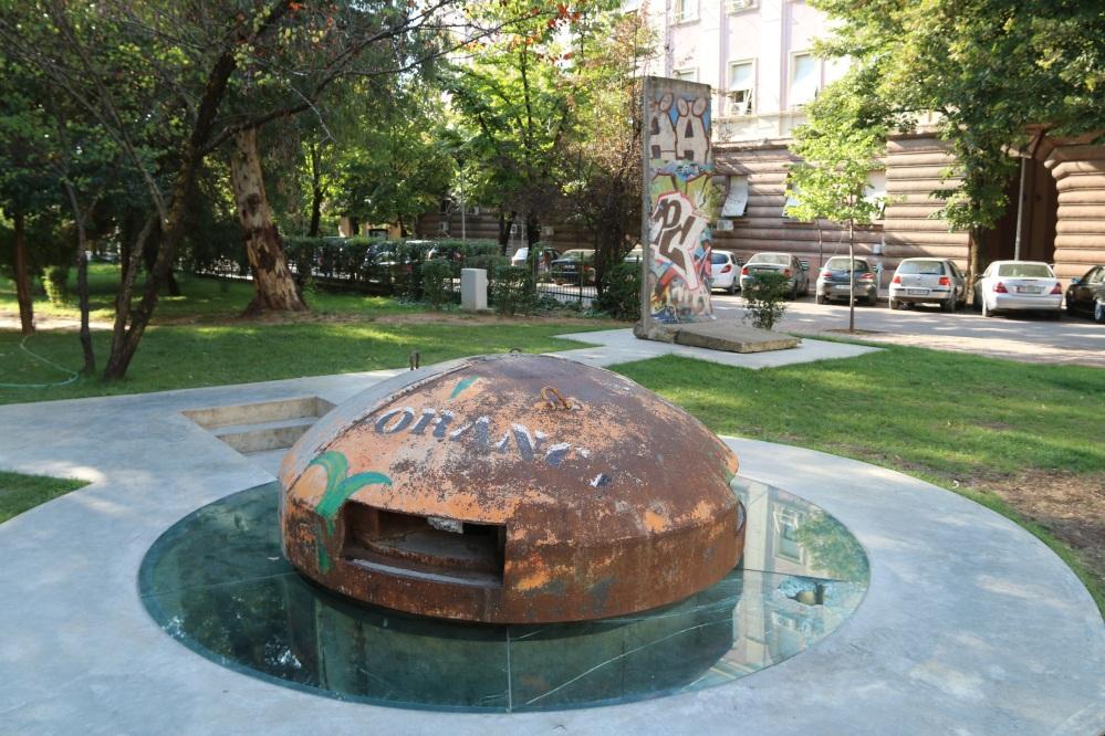 'Mushroom' shelter