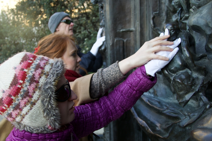 Alex wears curators gloves to explore 'The Gates of Hell' at the Musee Rodin