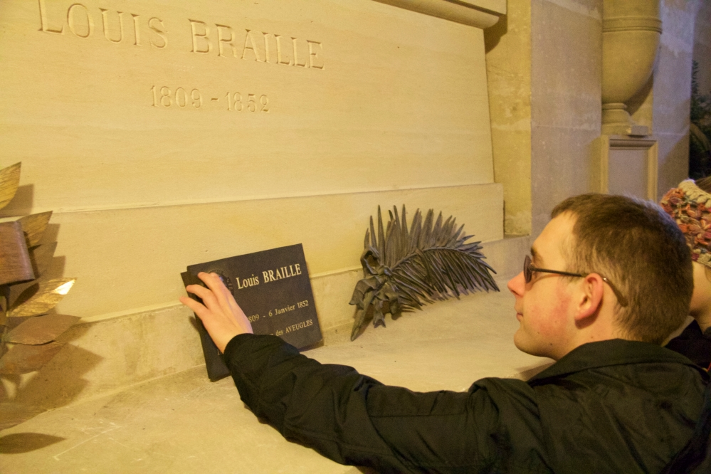 James visits Louis Braille's crypt at the Pantheon